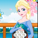 Elsa Sushi Cooking